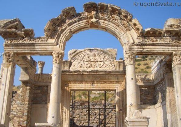 храм Адриана турция эфес