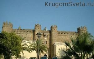 Hostal dos Reis - пятизвёздочный парадор-Парадоры в Испании