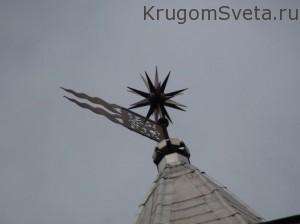 Наклонная башня в Невьянске флюгер