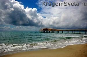 неспокойное море - побережье Лидо ди Камайоре