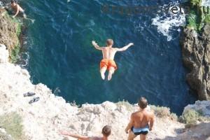 Акапулько Мексика - прыжки в воду с отвесной скалы