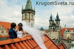 свадьба в Праге - на фоне замка