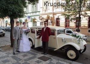 свадьба в Праге - старинный лимузин