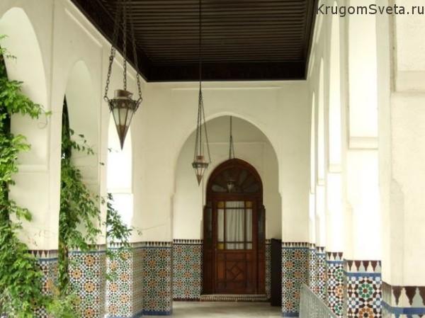 Соборная мечеть в Париже. Внутреннее убранство