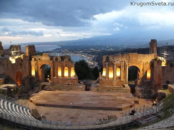 top-7-samyih-drevnih-teatrov-mira