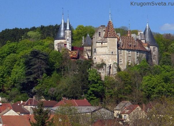 Замок Рошпо Бургундия