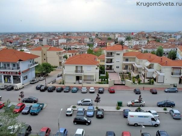 yannitsa-gorod-istoricheskih-zdaniy-i-kurort-v-gretsii