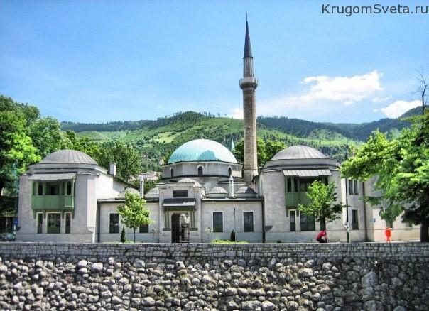Великая мечеть Бегова
