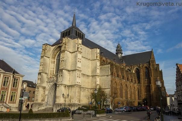 церковь Св. Сульпиция в Бельгии