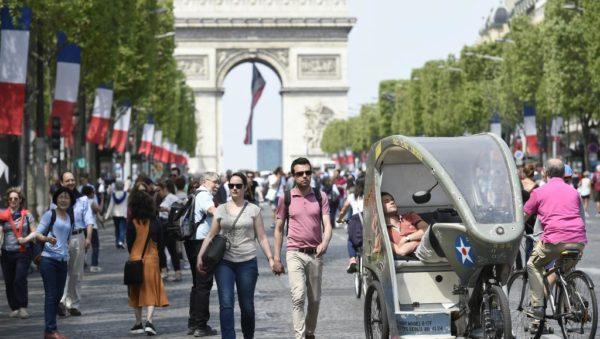 Власти Франции готовы выделить на обеспечение безопасности туристов примерно 15 миллионов евро