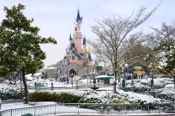 Зимний сезон в Парижском Диснейленде