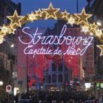 Франция не собирается отменять рождественские ярмарки