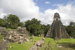 ruiny_i_piramidy_yaguara-_gvatemala