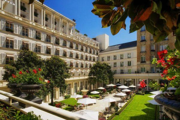 Стоимость размещения во французских отелях резко снизилась