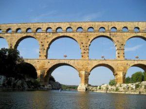 Мост Пон-дю-Гар стал самым красивым в Европе