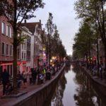 В Амстердаме запретят экскурсии по кварталу красных фонарей