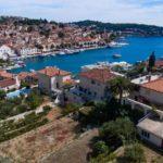 В Черногории введут штраф за хождение по городу купальнике