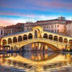 В Венеции туристов оштрафовали на 950 евро