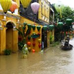 Из-за тайфуна во Вьетнаме отменены авиарейсы