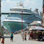 Круизным лайнерам запретили заходить в центр Венеции