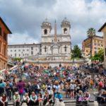 Туристам запретили сидеть на Испанской лестнице в Риме