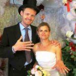 Туристам в Амстердаме предлагают купить супруга-гида