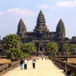 Посещаемость туристами парка Ангкор-Ват снизилась