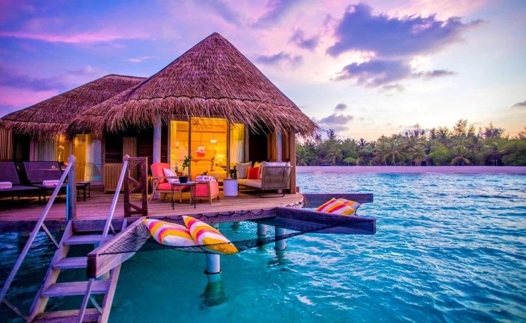 На Мальдивах военные едва убили иностранного туриста