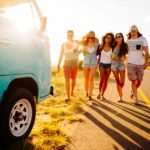 Молодежь стимулируют на путешествие скидками