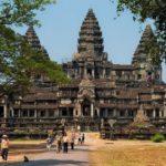 Авиакомпания Qatar Airways повезет туристов в Ангкор-Ват