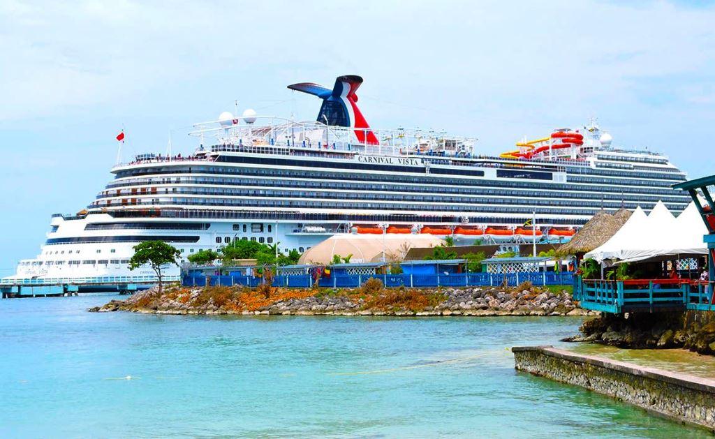 На круизах Carnival Cruise ввели политкорректный дресс-код