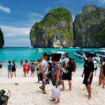 Туристический поток в Таиланд упал почти вдвое