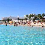 Отельеры Кипра просят возобновить авиасообщение с РФ